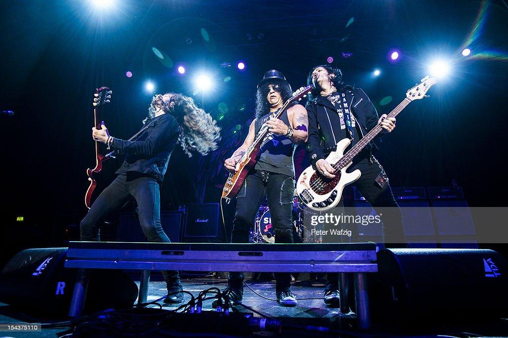 Slash Performs In Cologne : Nachrichtenfoto