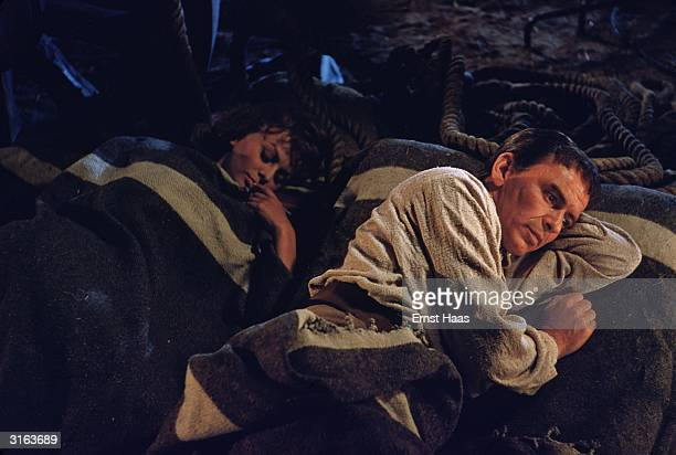 Frank Sinatra and Sophia Loren play a Spanish guerrilla and his mistress in the United Artists production of 'The Pride and The Passion' directed by...