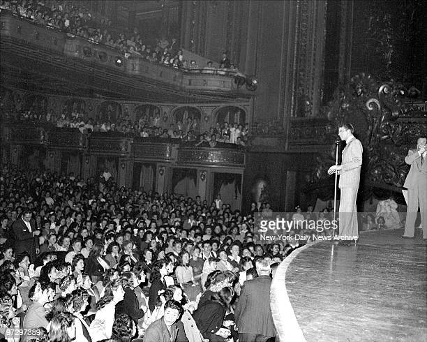 Frank Sinatra at the Paramount