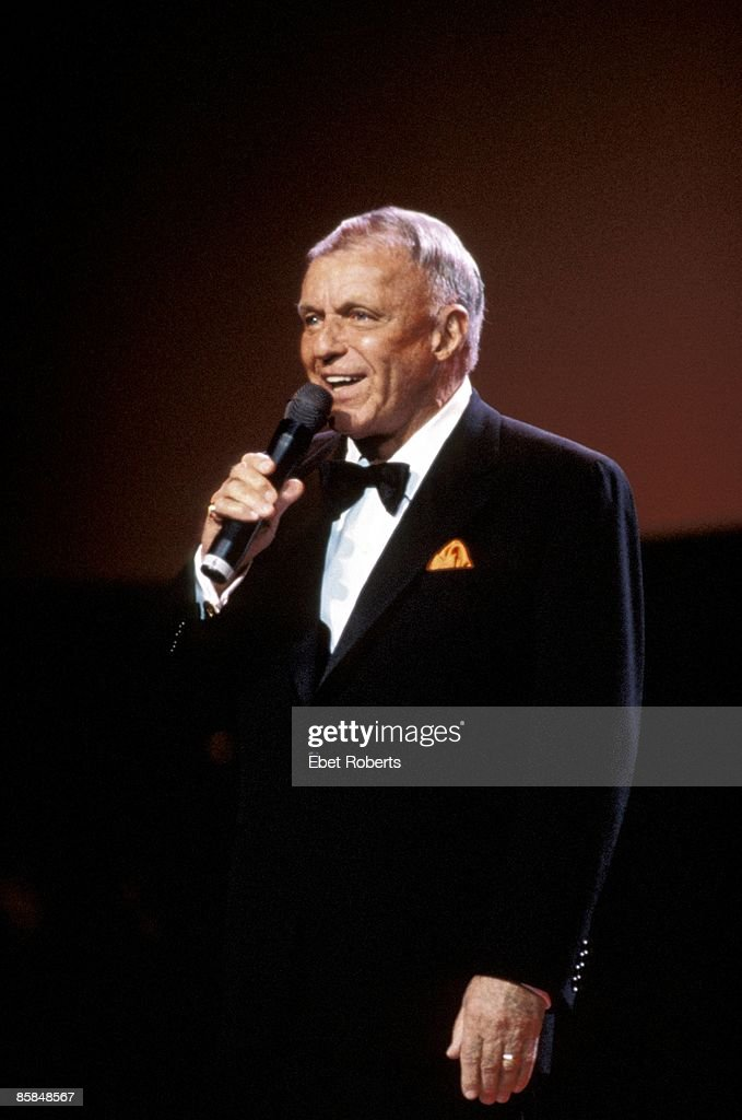 HALL Photo of Frank SINATRA, performing live onstage