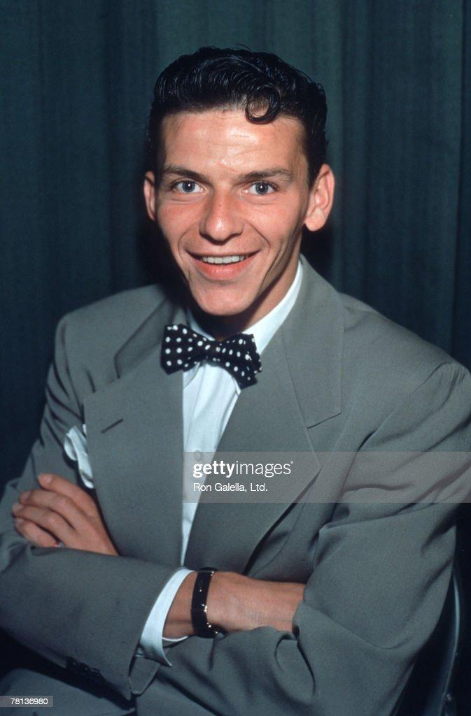 Frank Sinatra - January 1, 1942 : News Photo