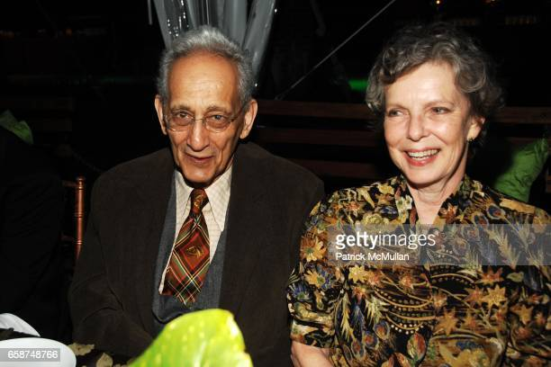 Frank Stella and Harriet Stella attend the Wildlife Conservation Society's Central Park Zoo '09 Gala at the Central Park Zoo on June 10 2009 in New...