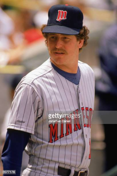 Frank Viola of the Minnesota Twins looks on during a game in the 1989 season.
