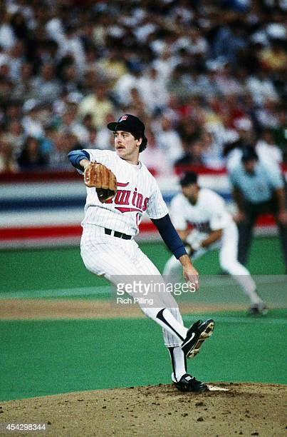 Frank Viola World Series MVP of the Minnesota Twins pitches during World Series game seven between the St Louis Cardinals and Minnesota Twins on...