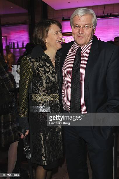 Frank Walter Steinmeier Und Ehefrau Elke Büdenbender Bei Der Afterparty Zur Eröffnungsgala Der 60 Berlinale Im Moskau In Berlin
