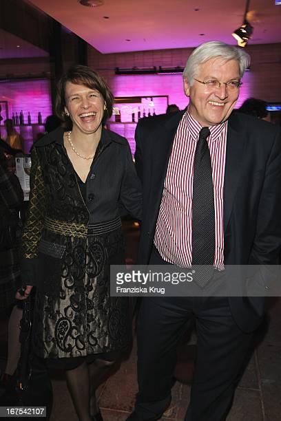 Frank Walter Steinmeier Und Ehefrau Elke Büdenbender Bei Der Afterparty Zur Eröffnungsgala Der 60. Berlinale Im Moskau In Berlin