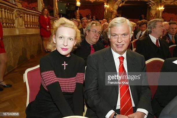 Frank Woessner Und Sunnyi Melles Bei Der Verleihung Des Internationalen Buchpreis Corine Im Münchener Cuvillies Theater
