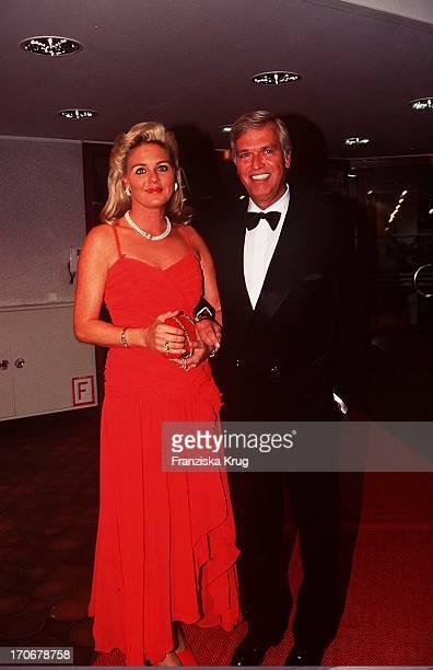 Frank Wössner Frau Nani Bei Rosenball '95 In Gütersloh