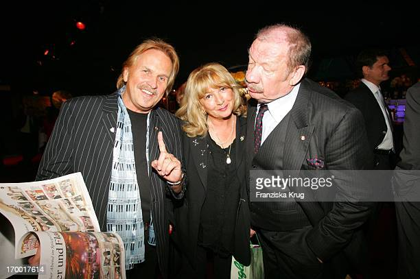 Frank Zander and wife Evi And Wolfgang Völz At the 60th Birthday On From Dagmar_Ferderic Pomp amp Circumstance Daggi With Pomp Duck In Berlin 150405