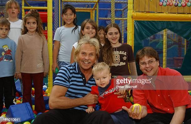 Frank Zander Sohn Marcus Enkel Elias weitere Kinder Freizeitpark 'Jacks Funworld' am Rande der Dreharbeiten zum ARD/MDRBoulevardMagazin 'Brisant'...