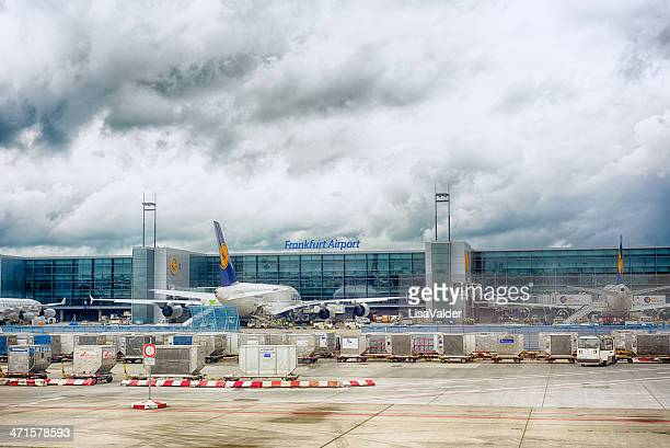 frankfurt airport, germany - frankfurt international airport stock pictures, royalty-free photos & images