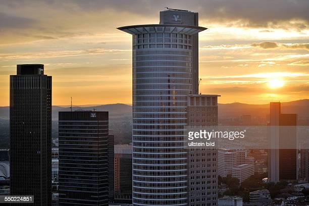 Frankfurt am Main Bankenviertel DZ Bank im Vordergrund