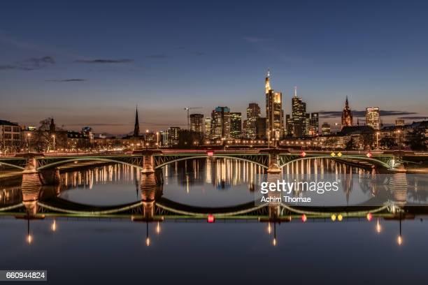 frankfurt am main, germany, europe - stadtsilhouette stockfoto's en -beelden