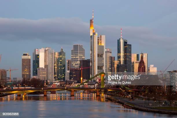 Frankfurt am Main, Hesse, GermanySkyline - Main - FlosserbrÙcke.