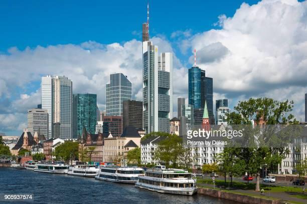 Frankfurt am Main, Hesse, Skyline - Main - Weisse Flotte.