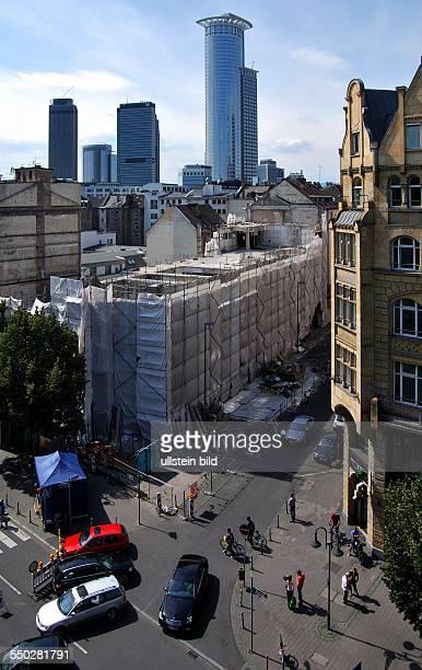 Frankfurt Bahnhofsviertel, im Hintergrund die Bankentürme
