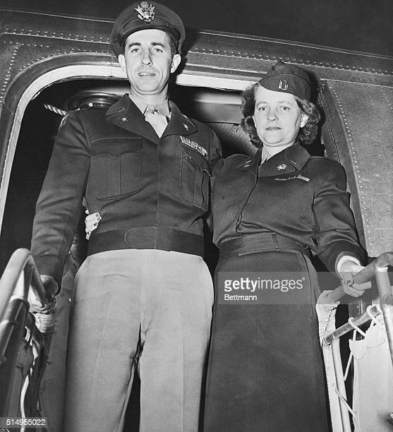Frankfurt Bound to Stand Trial for Kronberg Jewel Theft Washington DC Col Jack W Durant and his wife a WAC captain board an air transport corps plane...