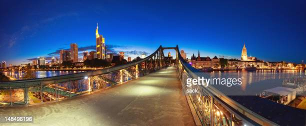 "Frankfurter Skyline mit Eiserner Steg (""Iron Bridge) Panorama"