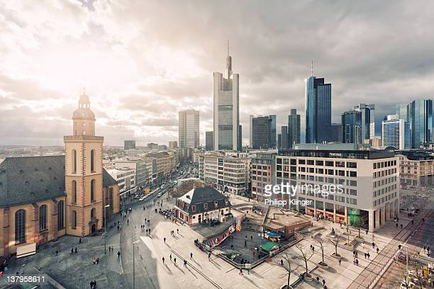 frankfurt main squares - hesse germany stock pictures, royalty-free photos & images