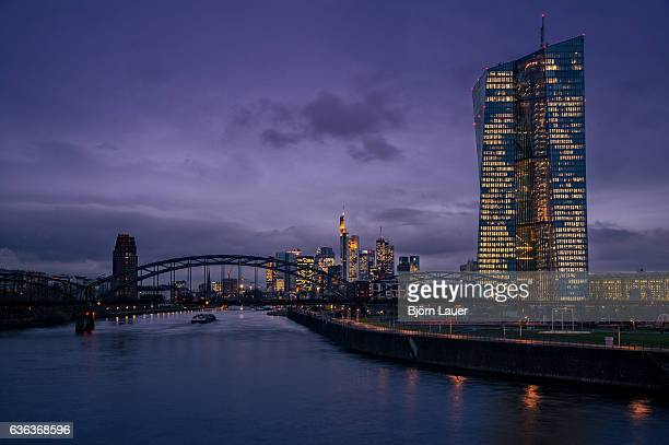 frankfurt skyline - stadtsilhouette stock pictures, royalty-free photos & images