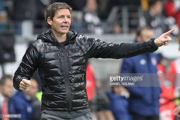 Frankfurt's Austrian head coach Oliver Glasner reacts from the sidelines during the UEFA Europa League group D football match between Eintracht...