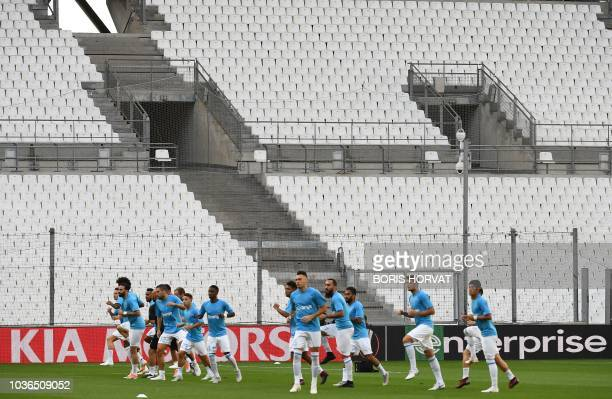 Frankfurt's German goalkeeper Kevin Trapp reacts after winning the UEFA Europa League Group H firstleg football match between Marseille and Eintracht...