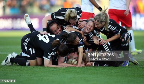 Frankfurt's player celebrate after Mandy Islacker scored their team's second goal during the 2015 UEFA Women's Champions League final match FFC...