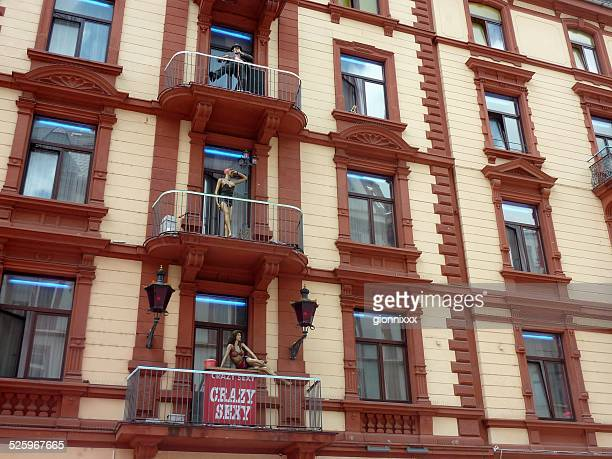 frankfurts red mile, elbestrasse - frankfurt red light district stock-fotos und bilder