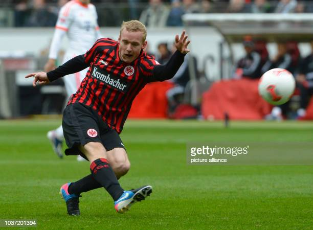 Frankfurt's Sebastian Rode plays the ball during the Bundesliga soccer between Eintracht Frankfurt and Bayern Munich at Commerzbank Arena in...