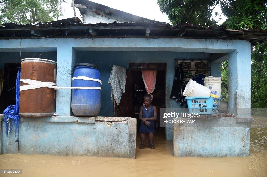 HAITI-WEATHER-HURRICANE-MATTHEW-LANDFALL : News Photo