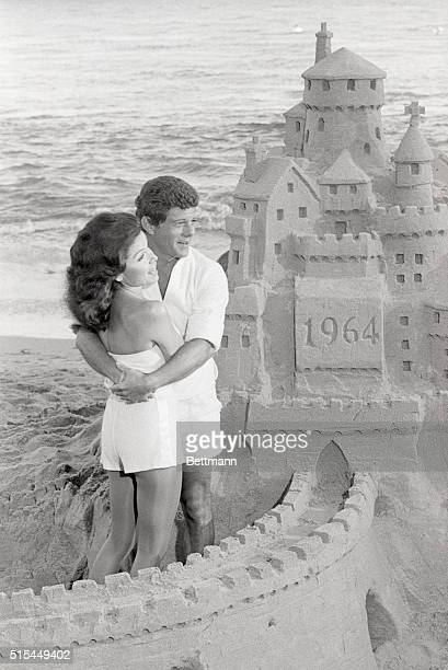 Frankie Avalon and Annette Funicelloare back on the beach in the 1978 NBC Television special Dick Clark's Good Ol' Days Part II