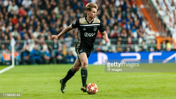 Frankie De Jong of Ajax controls the ball during the UEFA Champions League Round of 16 Second Leg match between Real Madrid and Ajax at Santiago...