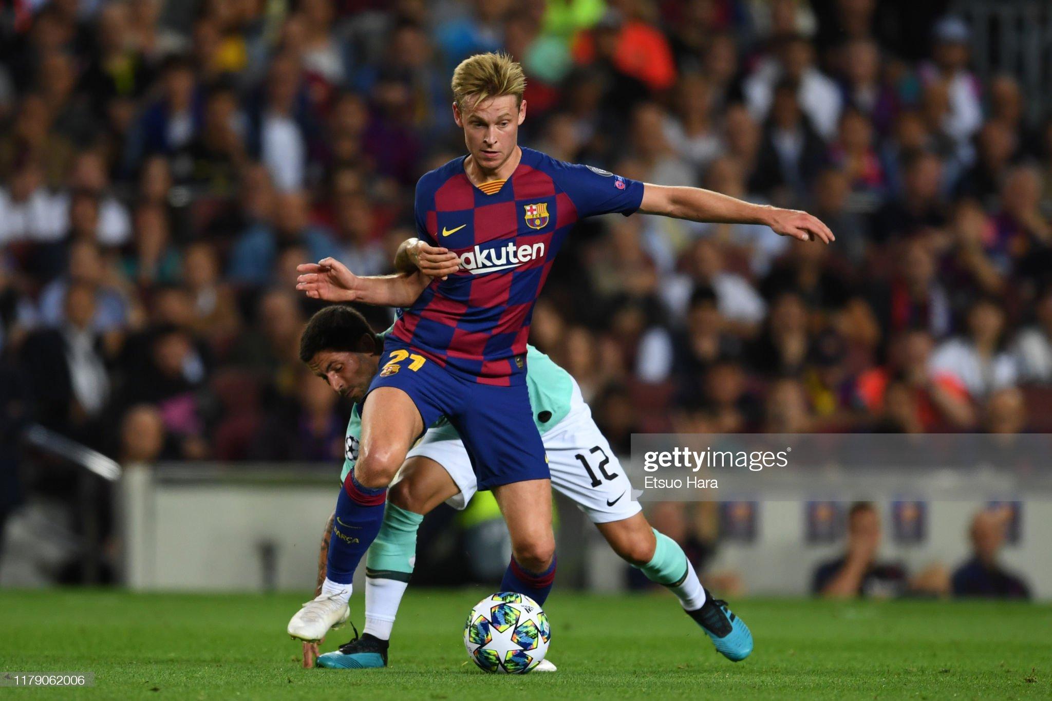 صور مباراة : برشلونة - إنتر 2-1 ( 02-10-2019 )  Frankie-de-jong-of-fc-barcelona-and-stefano-sensi-of-inter-compete-picture-id1179062006?s=2048x2048