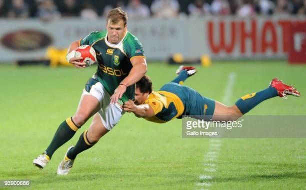Frankie Horne of South Africa tackled by Nick Phipps of Australia during the International match between South Africa and Australia during the IRB...