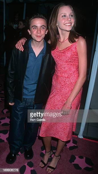 Frankie Muniz and Amanda Bynes attend the world premiere of 'Josie and the Pussycats' on April 9 2001 at the Galaxy Theater in Hollywood California