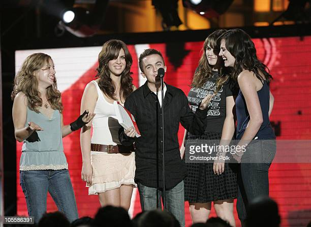 Frankie Muniz and The Donnas present the award for Viewers' Choice Most Addictive Game Fueled by Mountain Dew