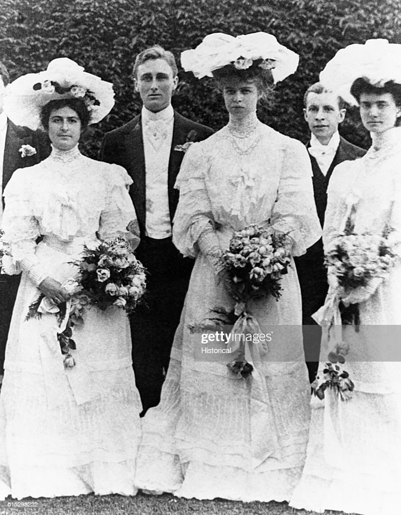 Franklin D And Eleanor Roosevelt In The Wedding Party Of Helen R