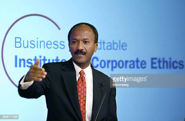 Franklin RainesCoChairman Business Roundtable and Chairman and CEO Fannie Mae announces the creation of a new institute for corporate ethics at the...
