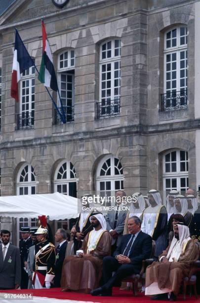 François Doubin avec le cheikh Zayed ben Sultan Al Nahyane en visite au haras national du Pin en France le 11 septembre 1991
