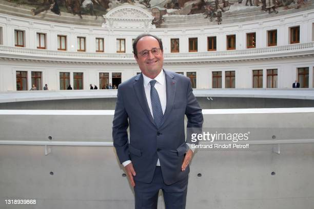 """François Hollande attends the """"Bourse de Commerce - Pinault Collection, Modern Art Foundation"""" Opening Night on May 19, 2021 in Paris, France."""