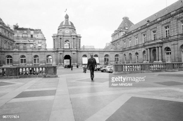 François Mitterrand arrive au Sénat pour un comité directeur du Parti Socialiste Paris le 19 septembre 1977 France