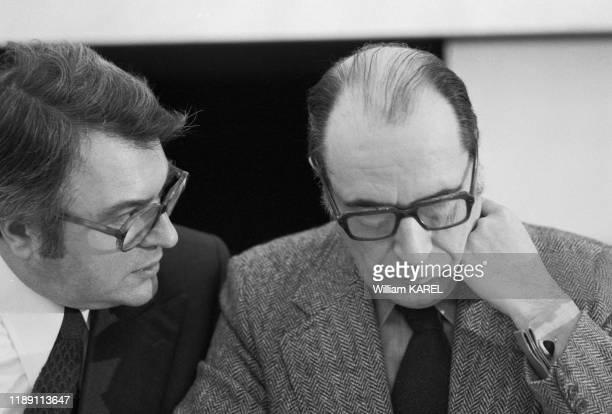 François Mitterrand et Pierre Mauroy lors de la Convention du PS à Paris en mai 1975, France.