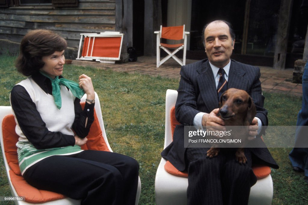 François Mitterrand et son épouse Danielle à Latche : News Photo