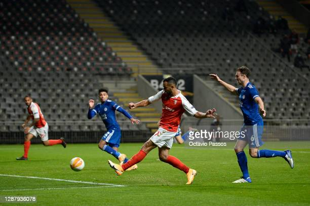 Fransergio of SC Braga scores their sides third goal during the UEFA Europa League Group G stage match between SC Braga and Leicester City at Estadio...