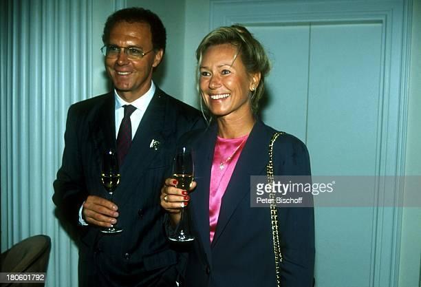 Franz Beckenbauer damalige Lebensgefährtin Sybille Weimar jetzt NochEhefrau Sybille Beckenbauer Hochzeit von Jack White und Janine Eke NochFrau Glas...