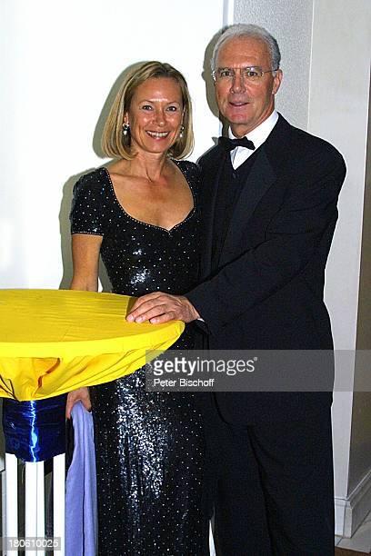 Franz Beckenbauer Ehefrau Sybille Beckenbauer 'Deutscher Sportpresseball 2001' Frankfurt 'Alte Oper' Brille