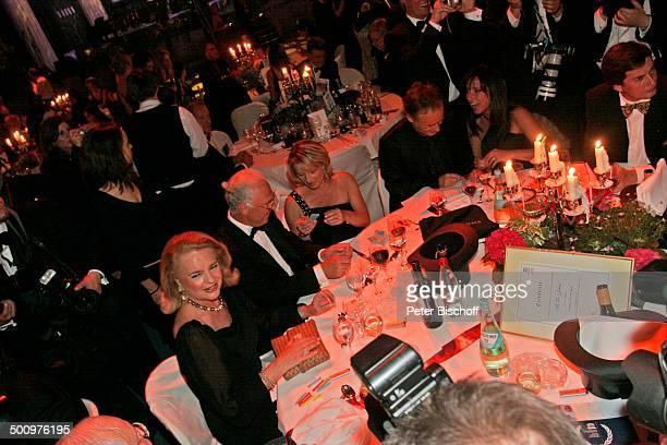 Franz Beckenbauer Ehefrau Sybille Reinhold Beckmann Ehefrau Kerstin CharityVeranstaltung 10 'UnescoBenefizGala' Köln Deutschland Europa 'Maritim'...