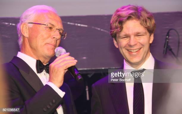 Franz Beckenbauer Michael Steinbrecher Gala 29 Deutscher Sportpresseball Alte Oper Frankfurt Hessen Deutschland Europa Bühne Auftritt Mikrofon...