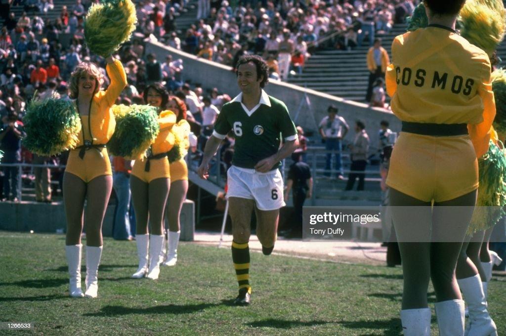 Franz Beckenbauer of New York Cosmos : News Photo
