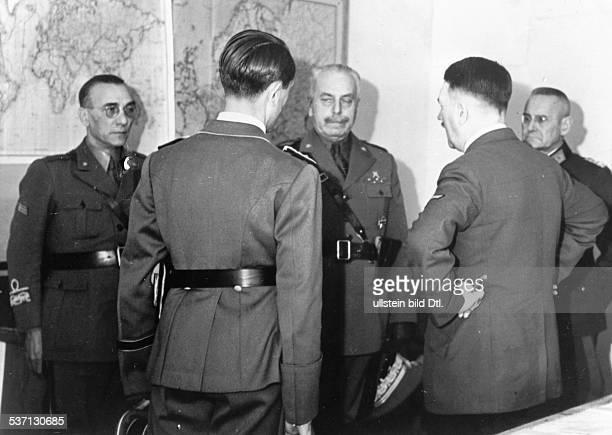 Franz HalderFranz HalderItalo GariboldiItalo GariboldiAdolf Hitler Politiker NSDAP D im Führerhauptquartier 'Wolfsschanze' bei Rastenburg in...